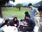 http://www.hhchang.tcu.edu.tw/activity/鯉魚潭烤肉/DSC00152s.jpg